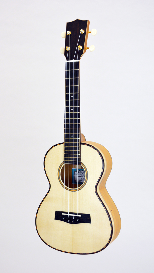MG-Guitars Ukulele Fichte/Eibe